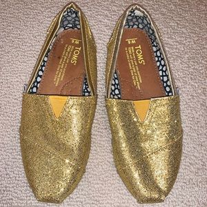 TOMS Slip On Shoes Size 6